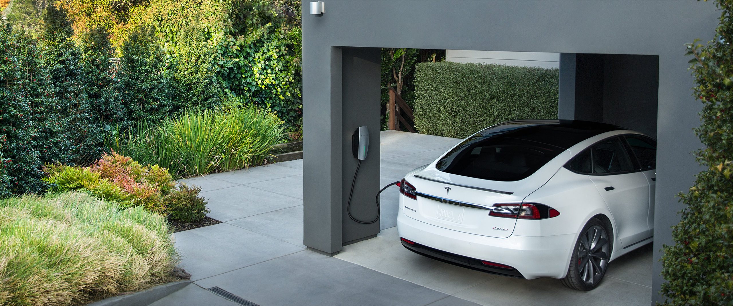 E-Mobility Tesla Charger